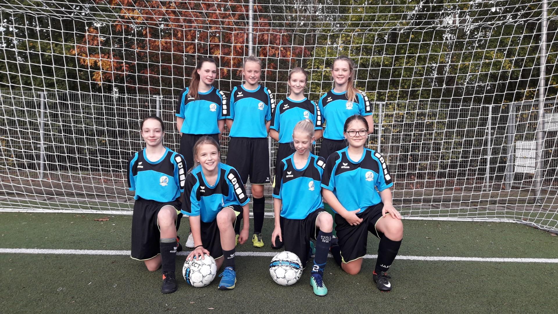 voetbal meisjes MOEV te Gent